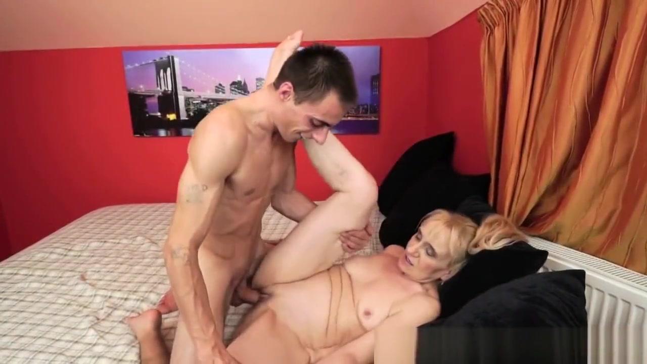 XXX Video Hot blond mature r20