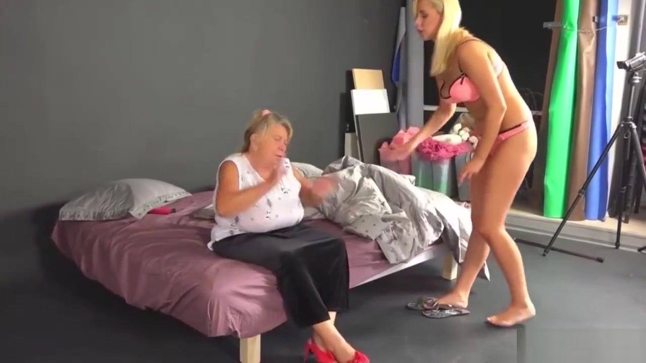 Sexis masturbates lesbea Grannys
