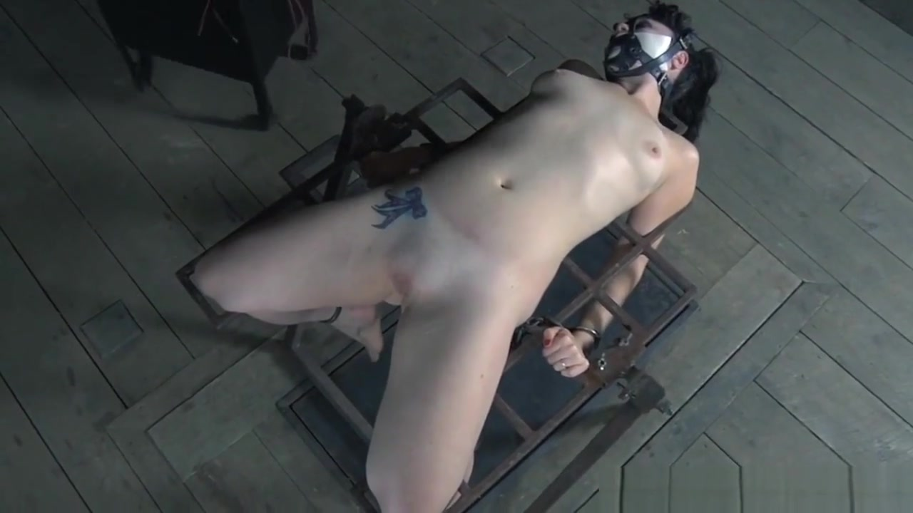 Naked xXx Base pics Shemale pissing in guys mouth clips
