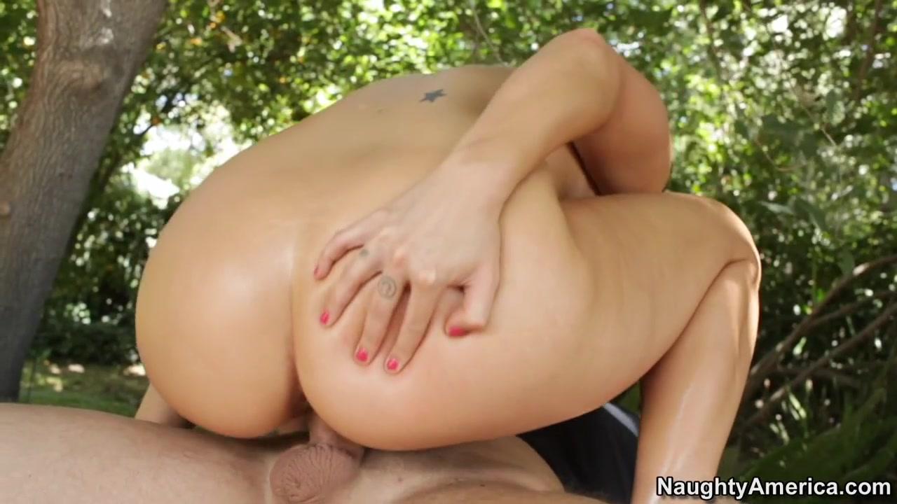 Porn pic Ali krieger ashlyn harris dating
