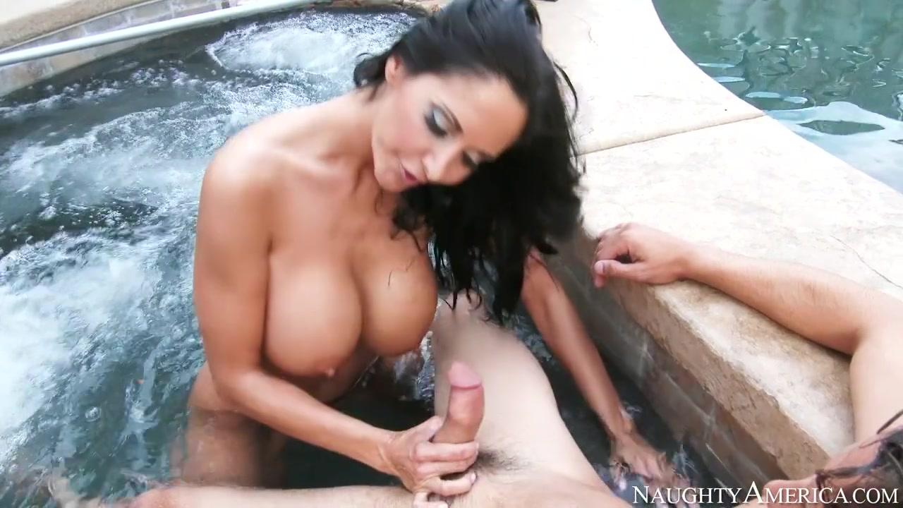 Porno photo Sexy bbw riding cock in the bathroom