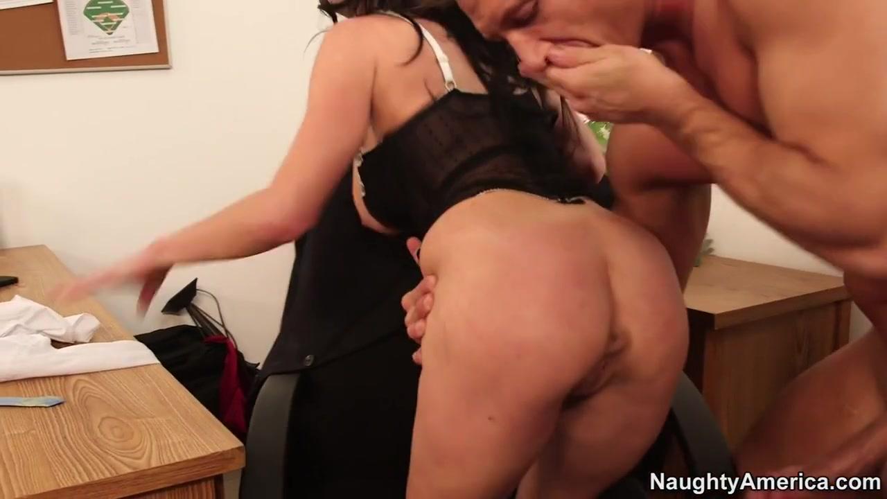 Adult Videos Natural tits porn pics