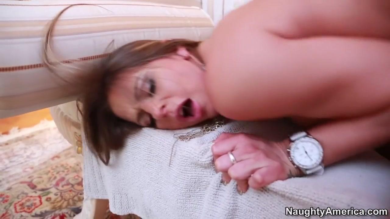 Naked Porn tube Big butt black mature