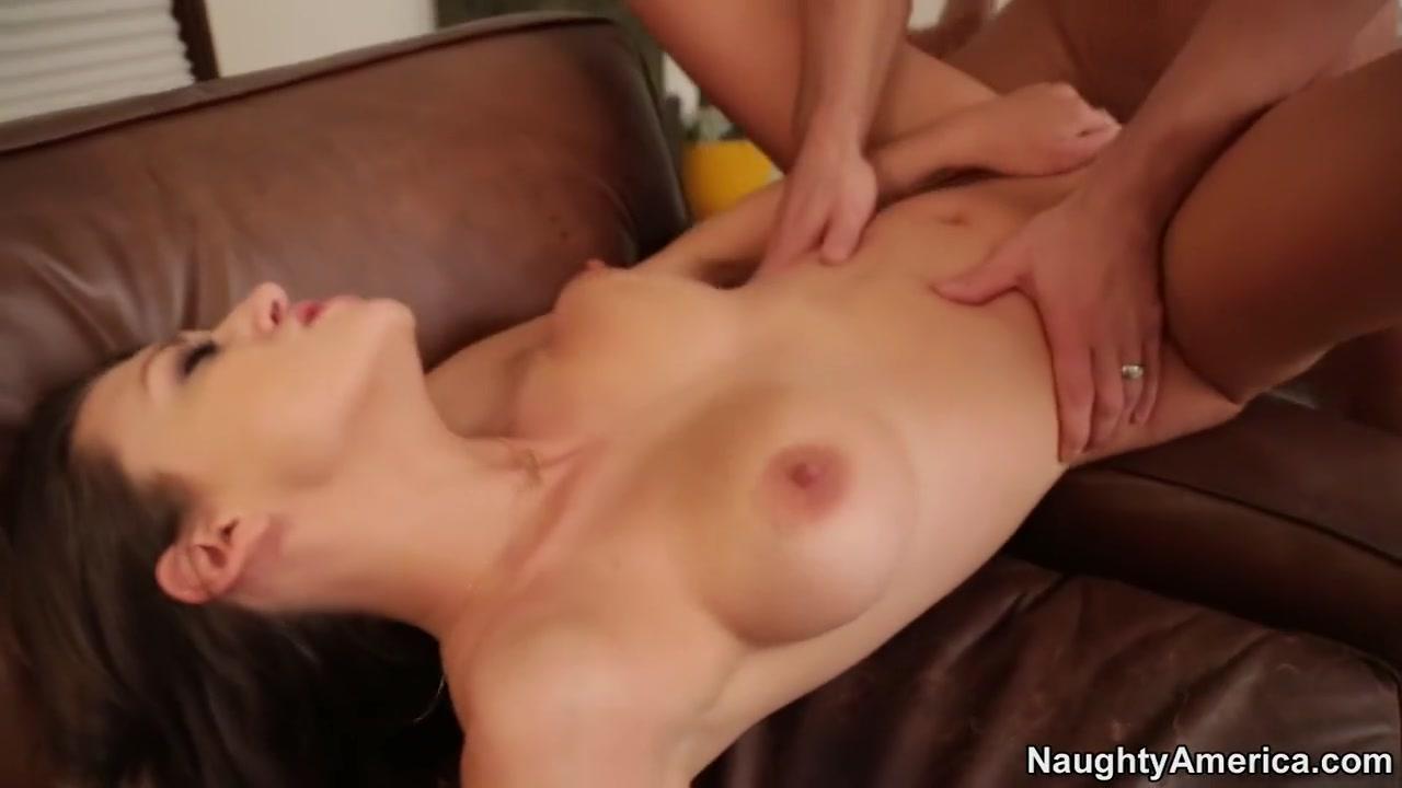 Nude photos Dating daan brad pitt