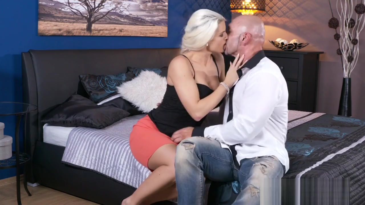 Adult Videos Jamie foxx sings unsexy words