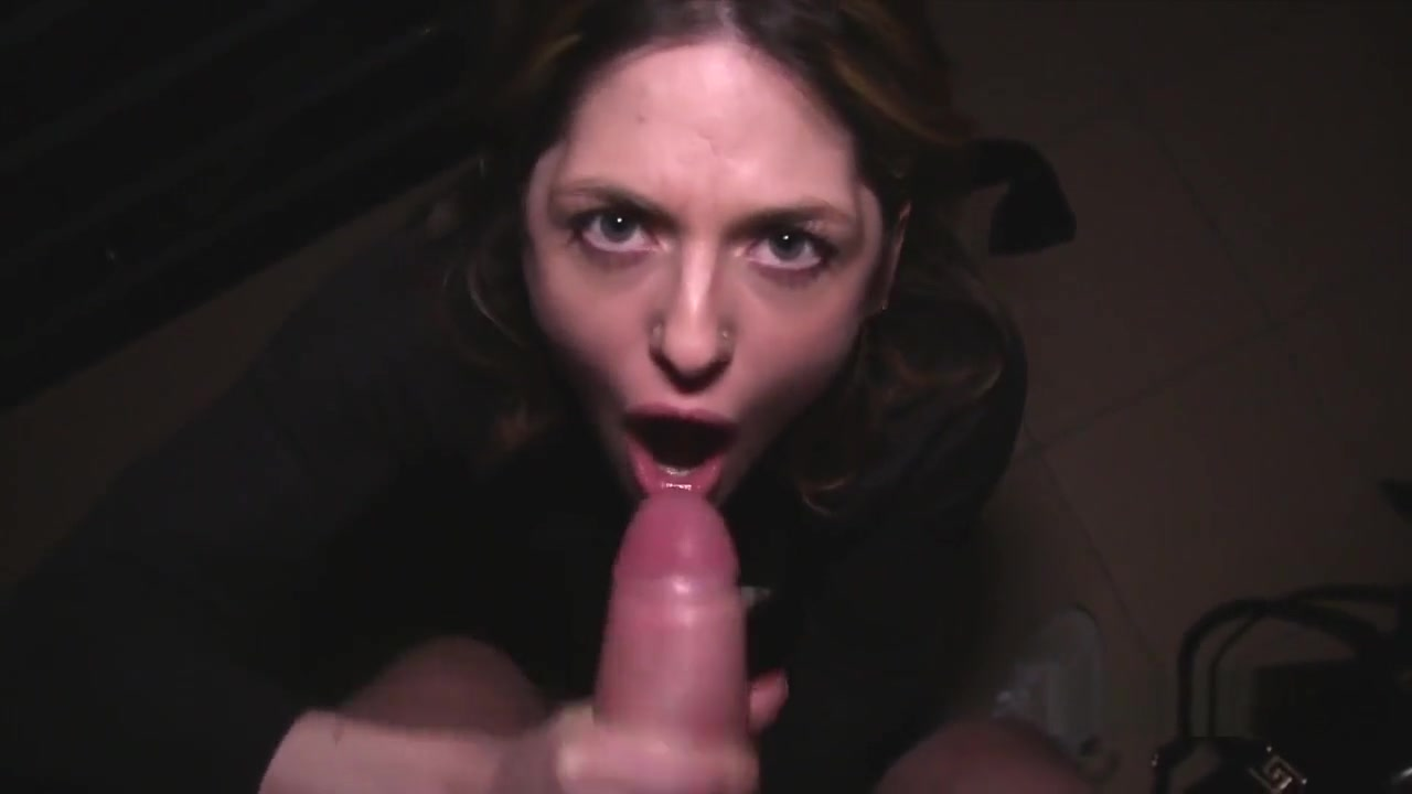 Porn archive Dyke babe queened by her wrestling partner