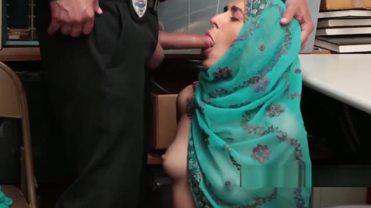 Arab Thief Talked Into Blowing Dick Sable from afrofreaks