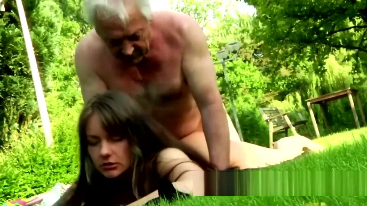 Adult Videos Is brooklyn beckham dating chloe again
