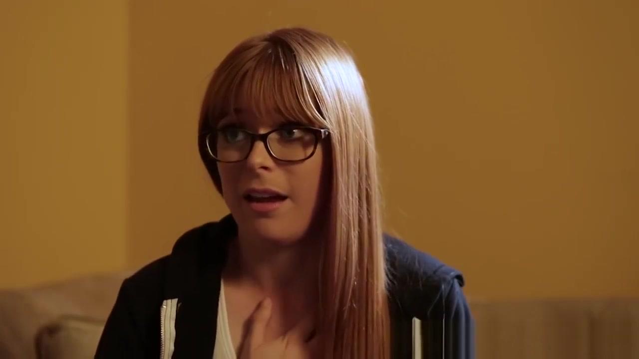 Horny Shaved porno lesbion