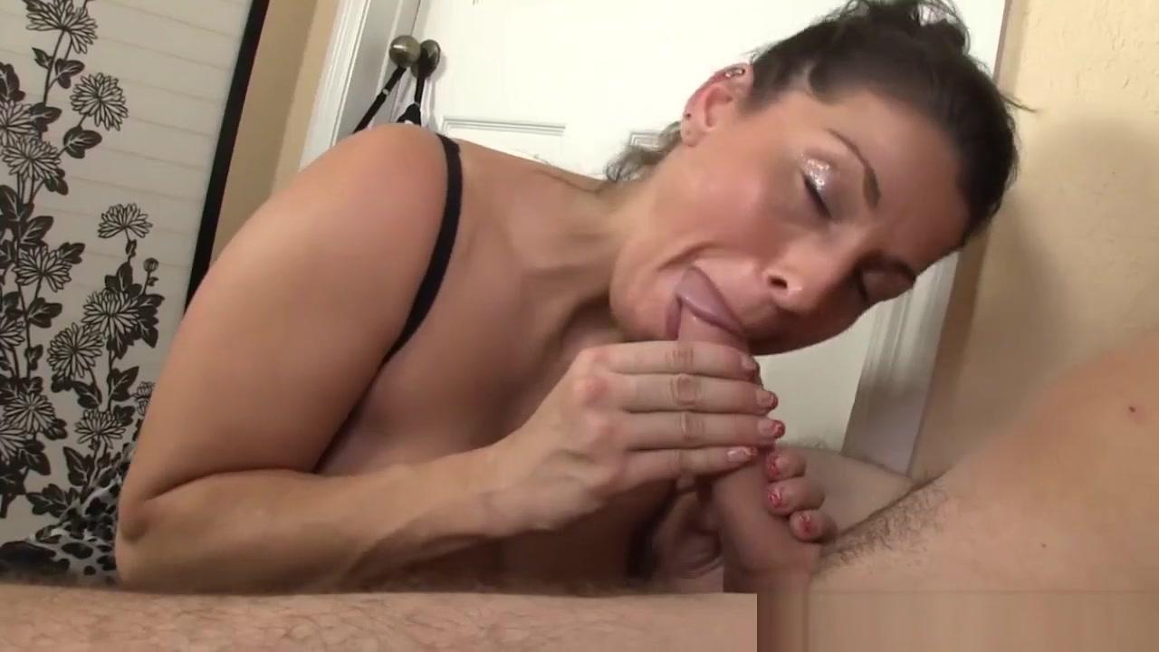 xxx pics Extreme pain pussy flogging tube