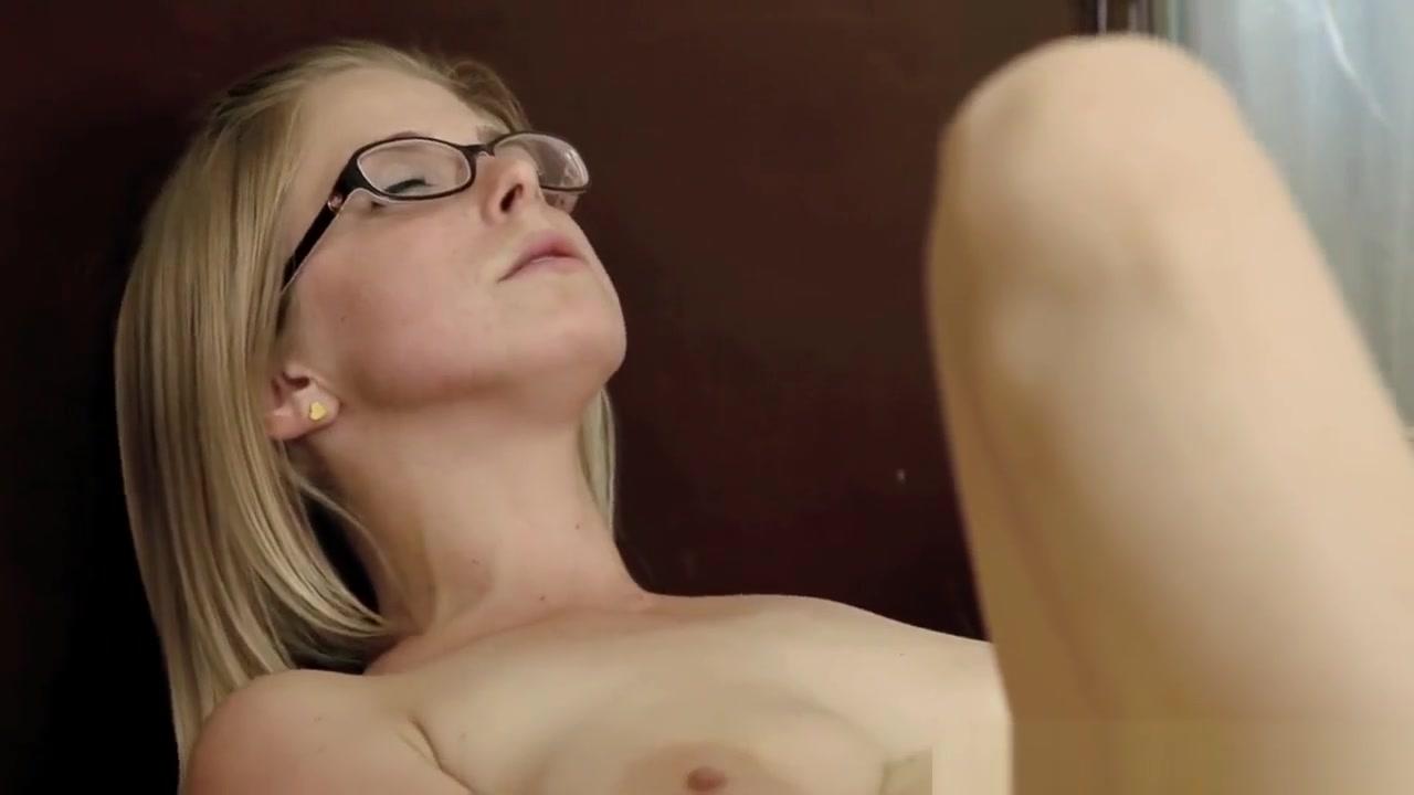 Masturbates bisexual sexs Lesbea