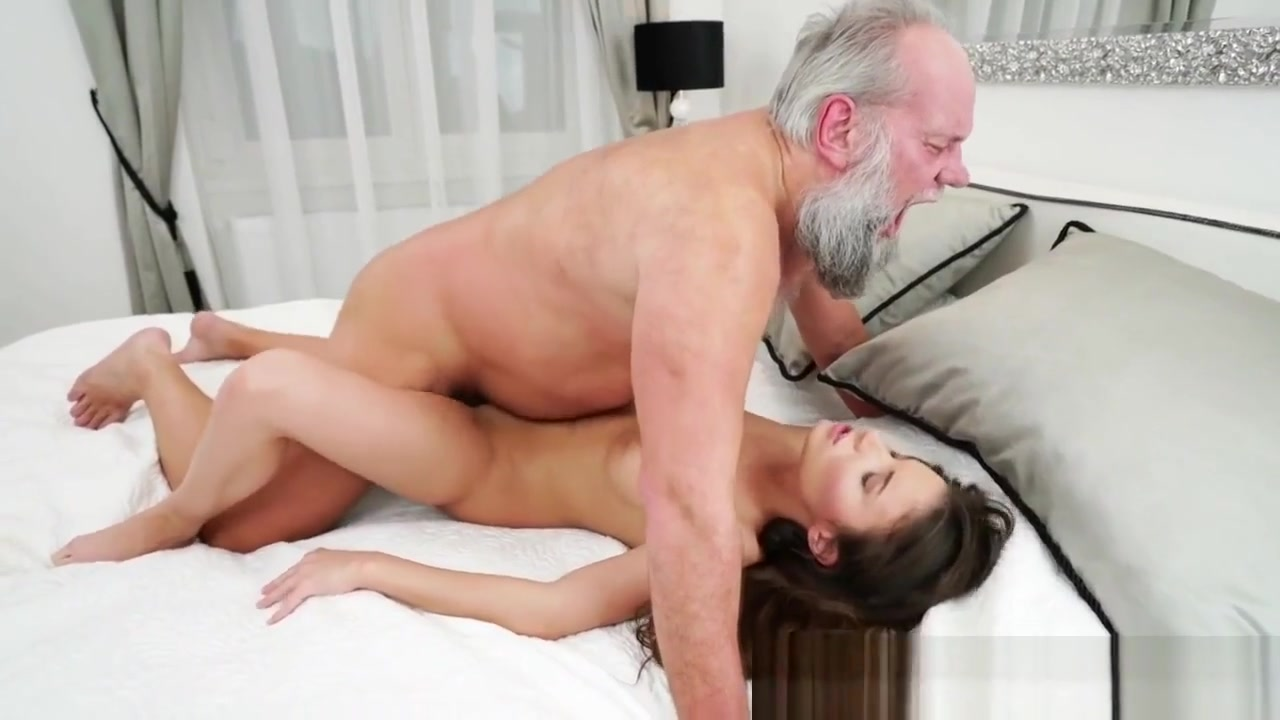 Mature horny house wives Porn Pics & Movies
