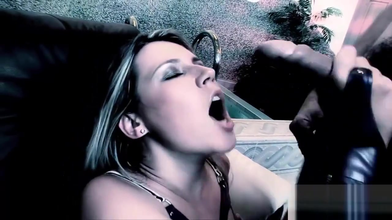 Nude gallery Horney girl porn star fucked