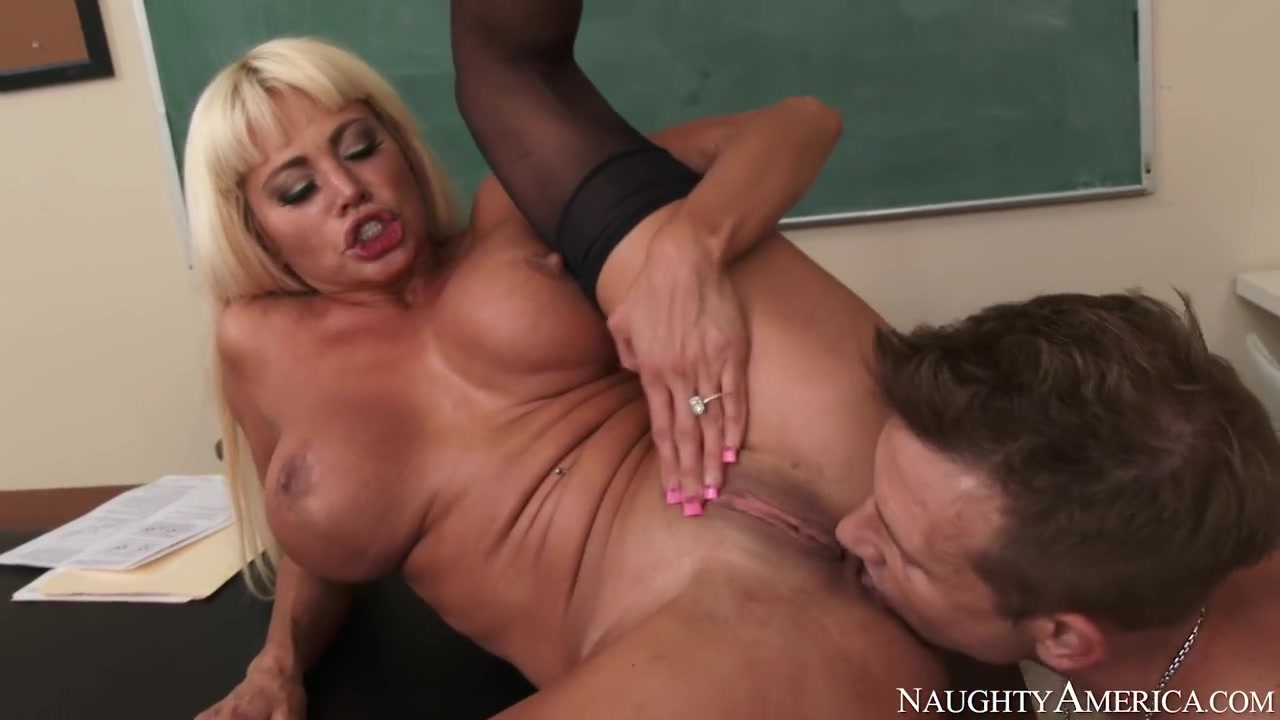FuckBook Base Milf gives sloppy deepthroat