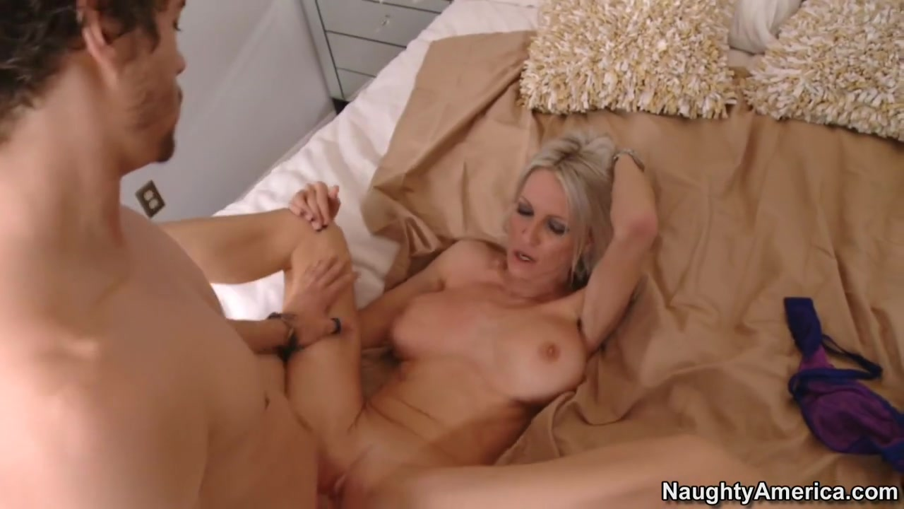 Hot xXx Video Amature jpg blowjob