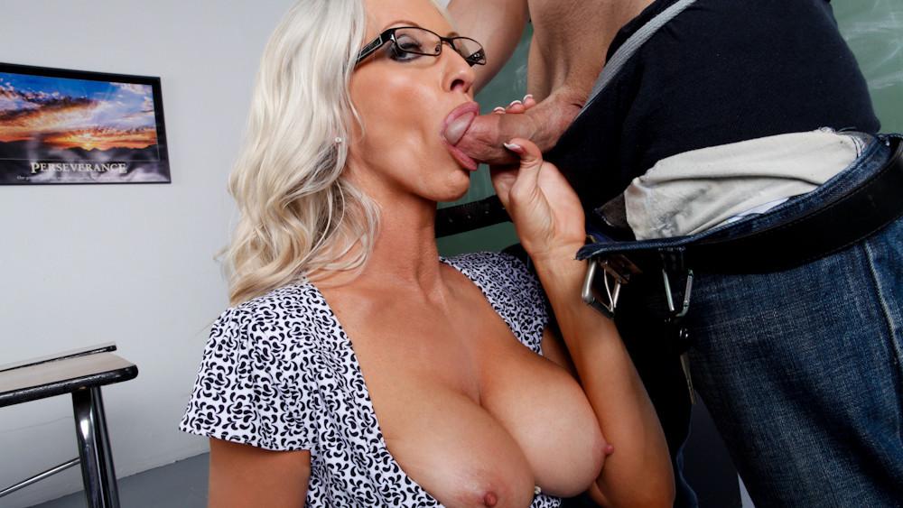 Hot Nude Escort girl paris18