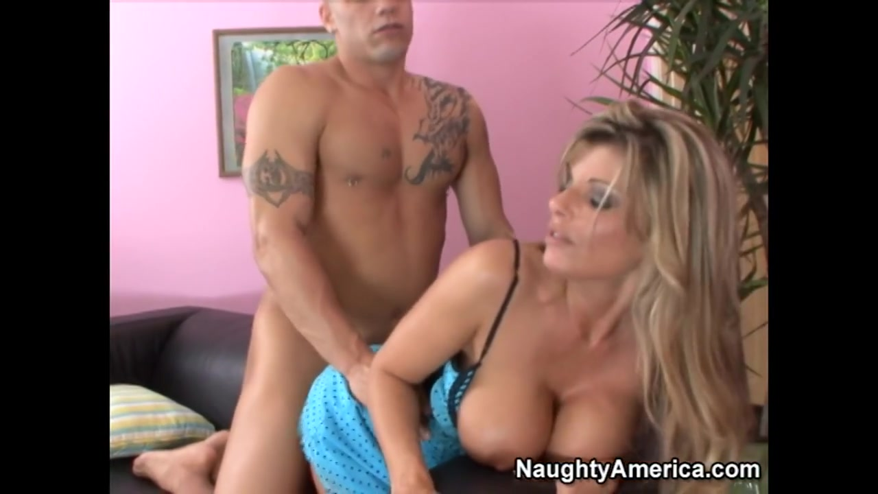 New xXx Pics Sexy blonde cougar does first porn