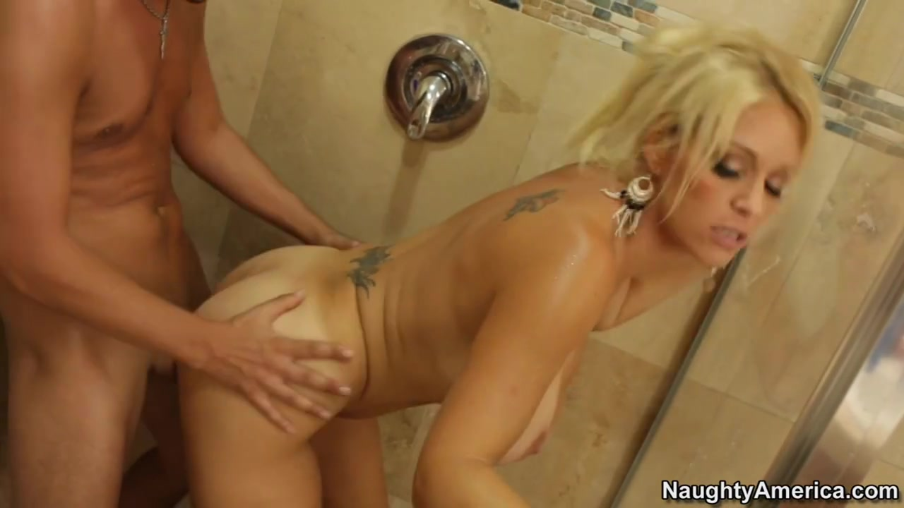 Sex photo Two blondes with strapon