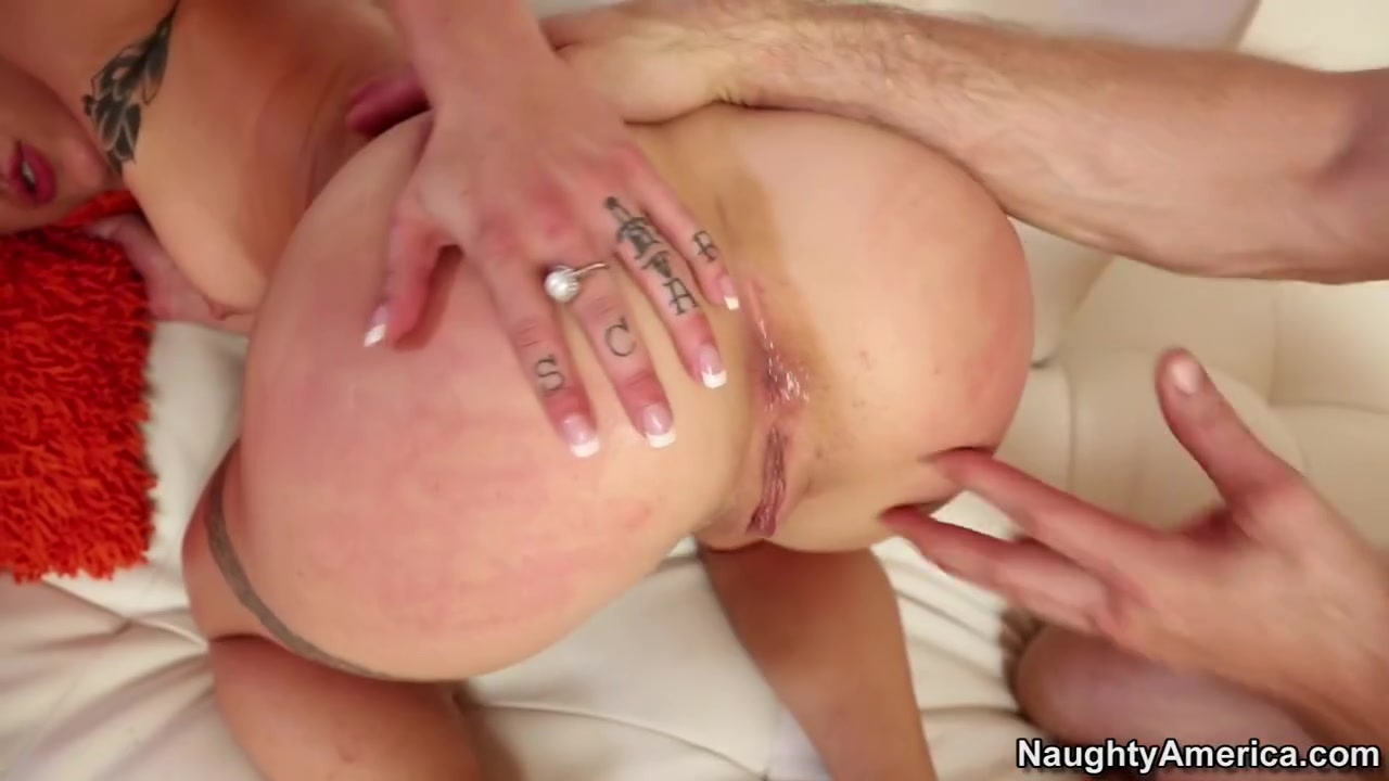 Porn FuckBook Raving about her tits