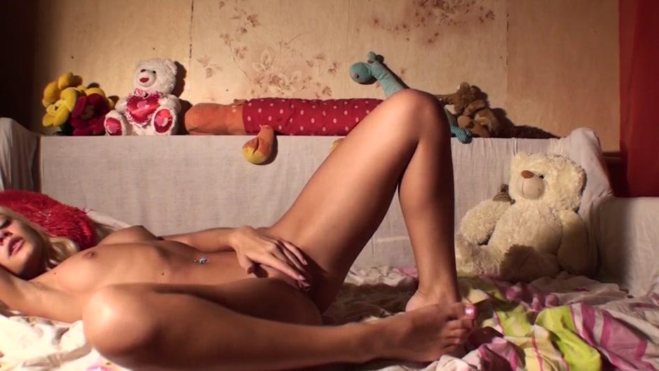 american dad hayley footjob Sexy xxx video