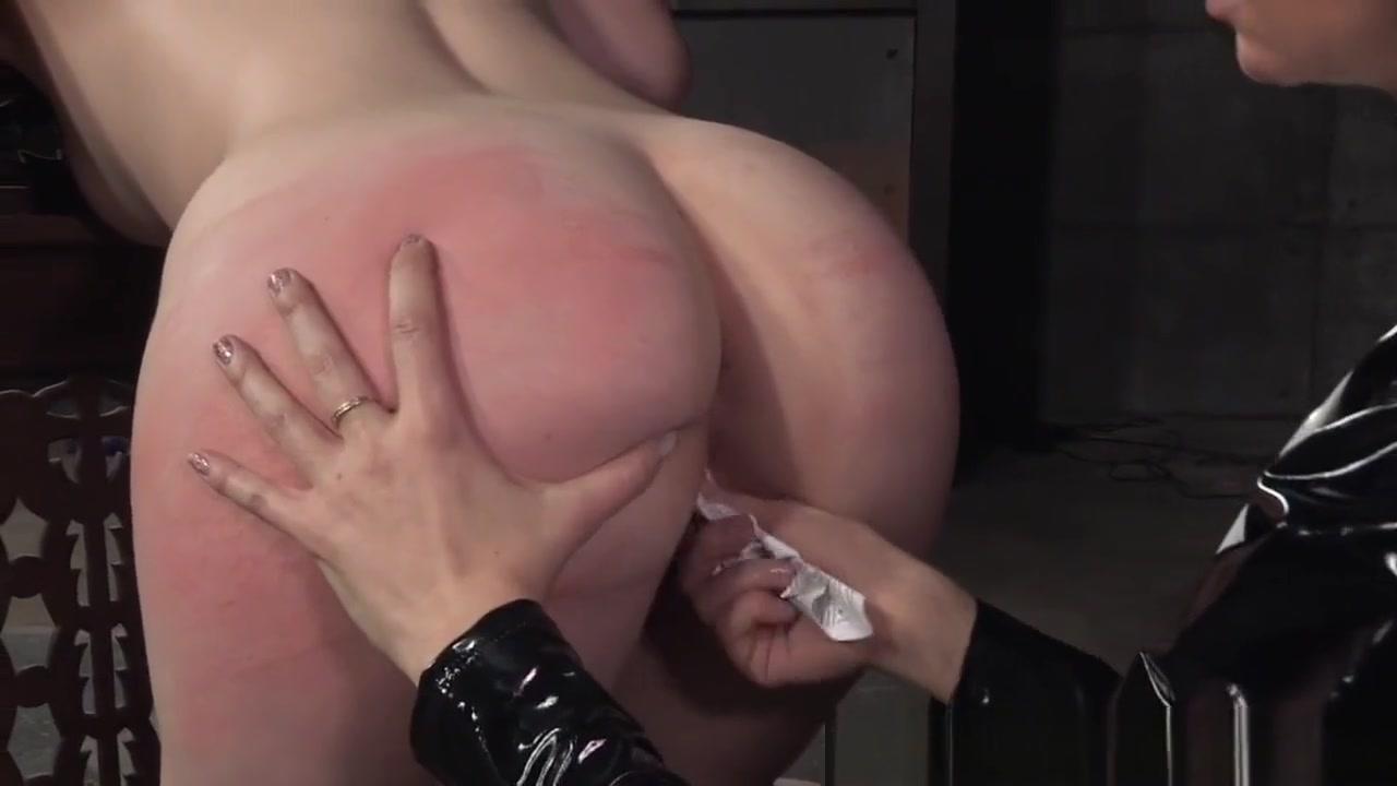 Sexy Lingerie masturbate lesbianas