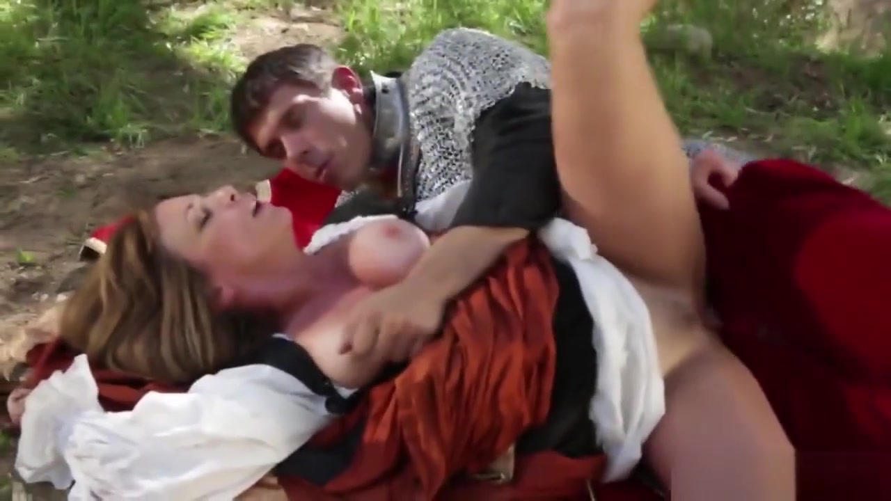 Medieval Busty Blonde Riding Big Dong Outdoors hi definition naked girls