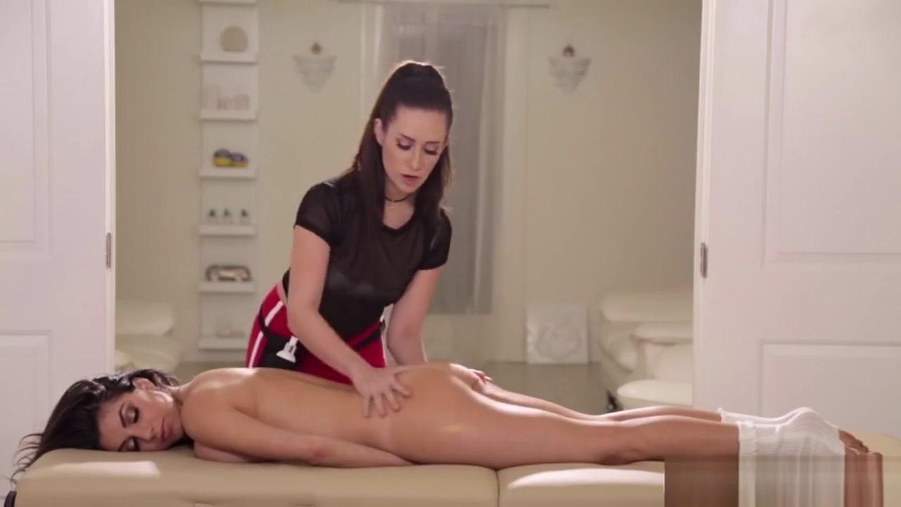 Vidow Lesbiam fucks orgam
