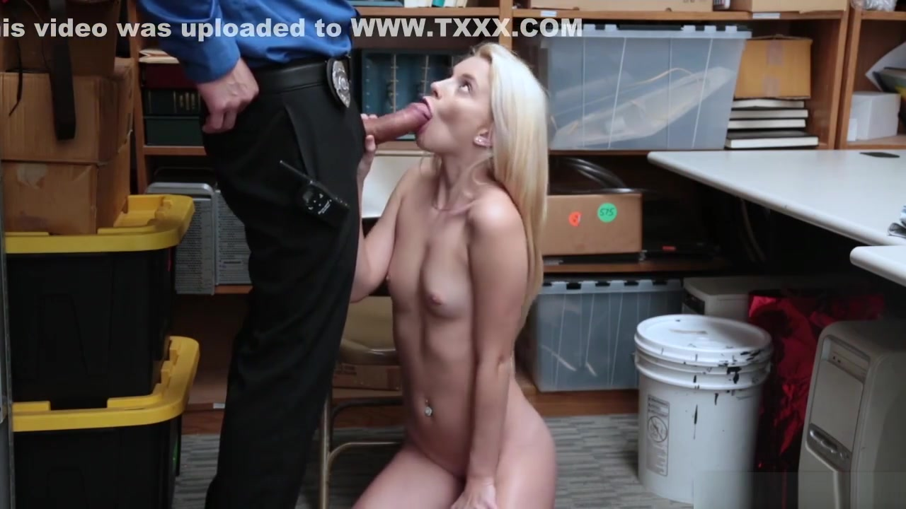 Porn pictures Nude tiny shaved pussy