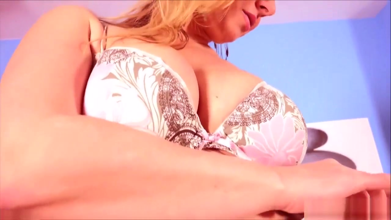 Milf fingering her ass and pussy Porn archive