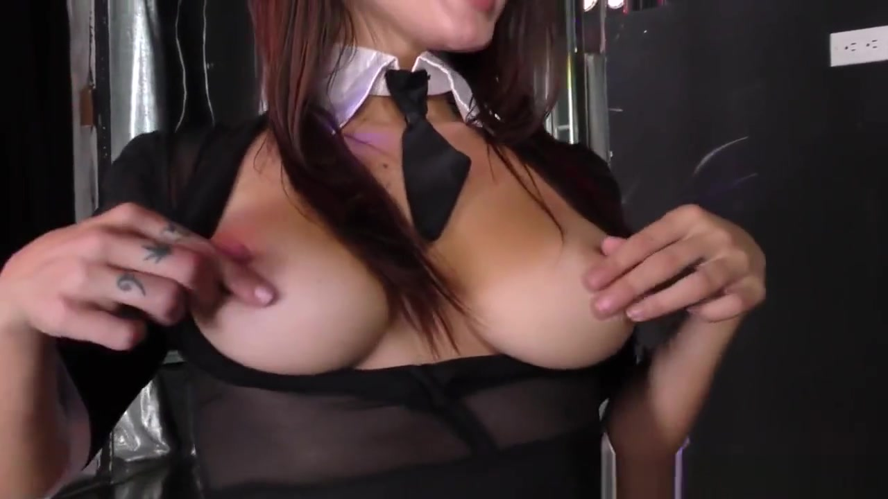Sexy xxx video How to start talking to a girl online