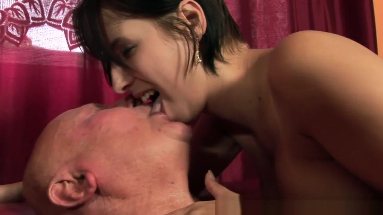 Asian babe chew mr Porn Pics & Movies
