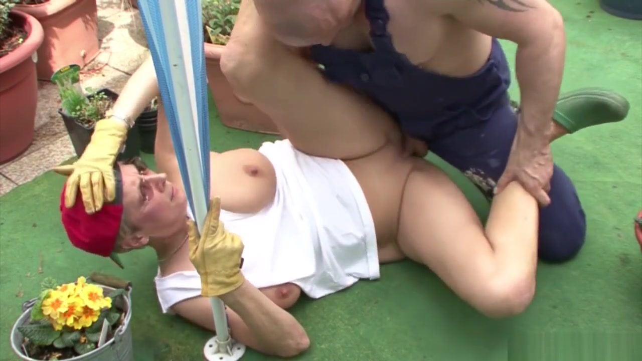 Extreme interracial penetrations Naked Gallery
