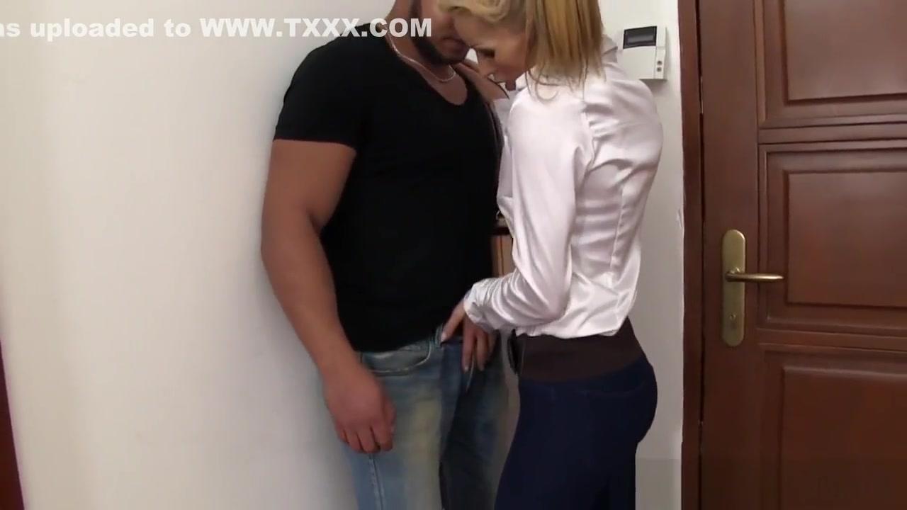 Cynthia blonde nude in public XXX Porn tube