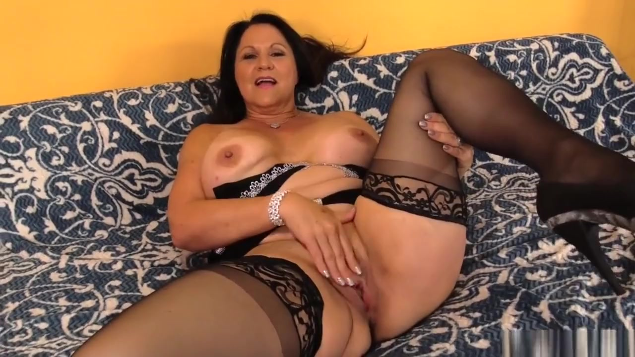 Naked Galleries Brandi belle make him cum take a shot