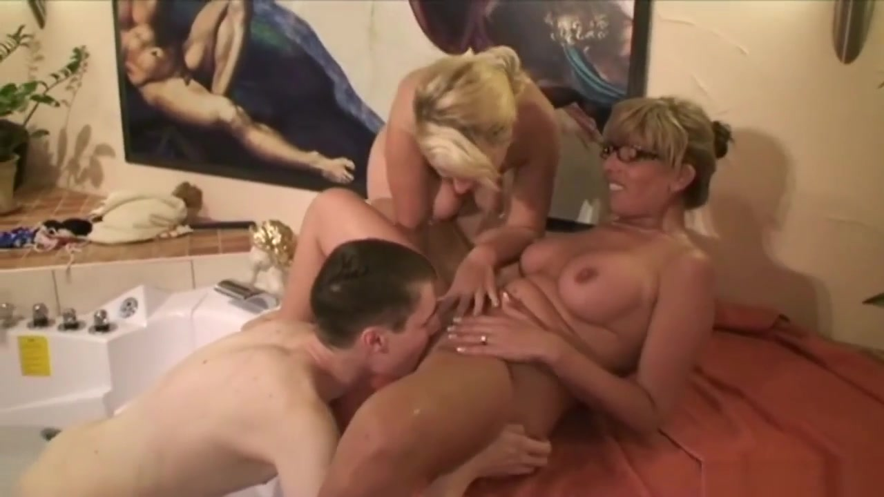 Nude Photo Galleries Granny wet vagina