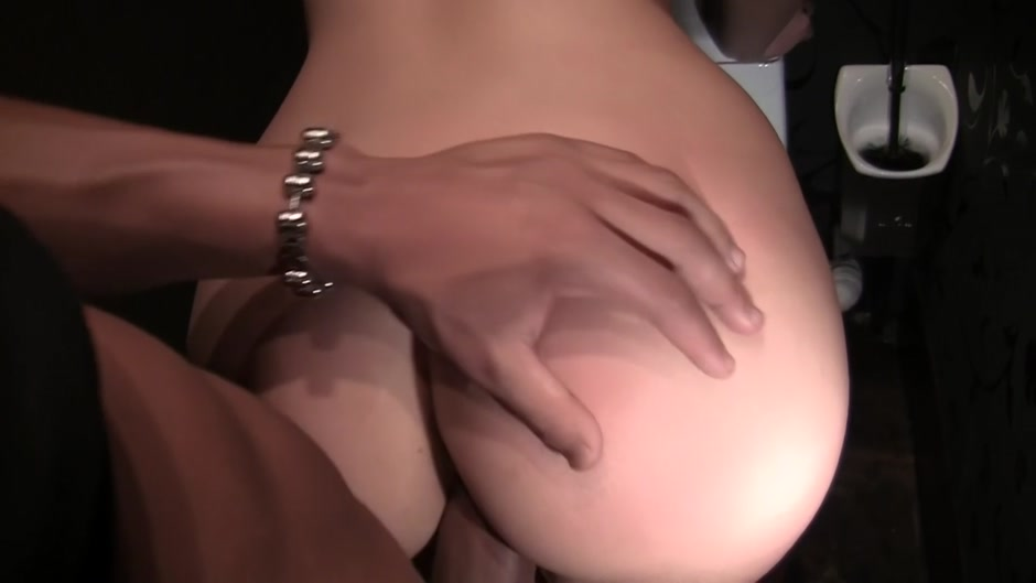 Erection In Shopping Mall Attrect Girl Pron Videos