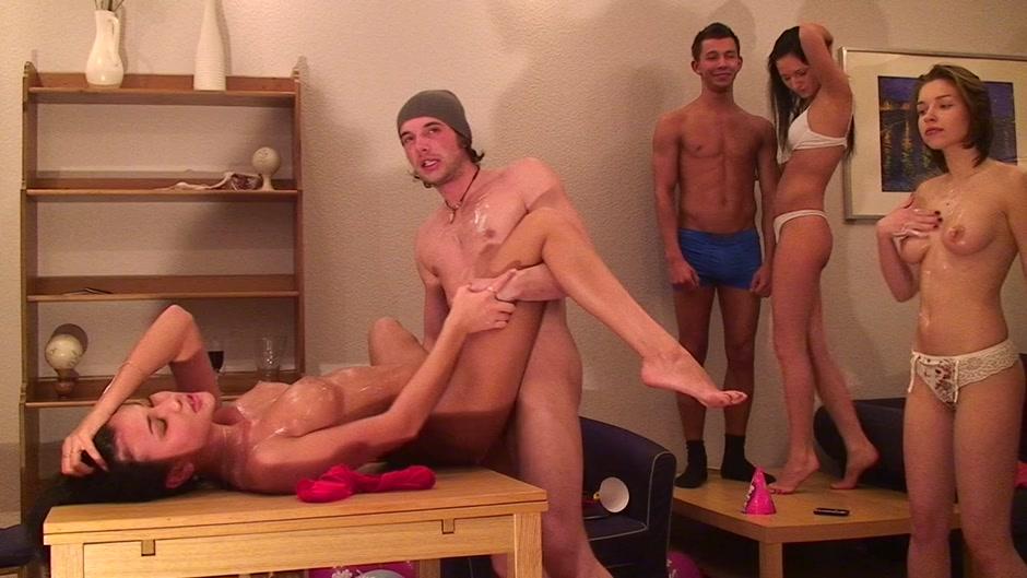 Fraldas baratas online dating Nude Photo Galleries
