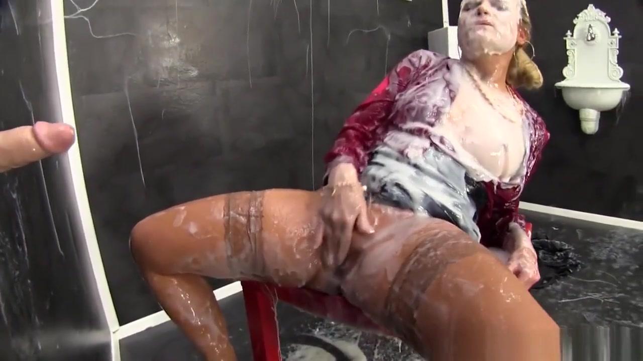 Naked 18+ Gallery De lama s dating show leontine aubert