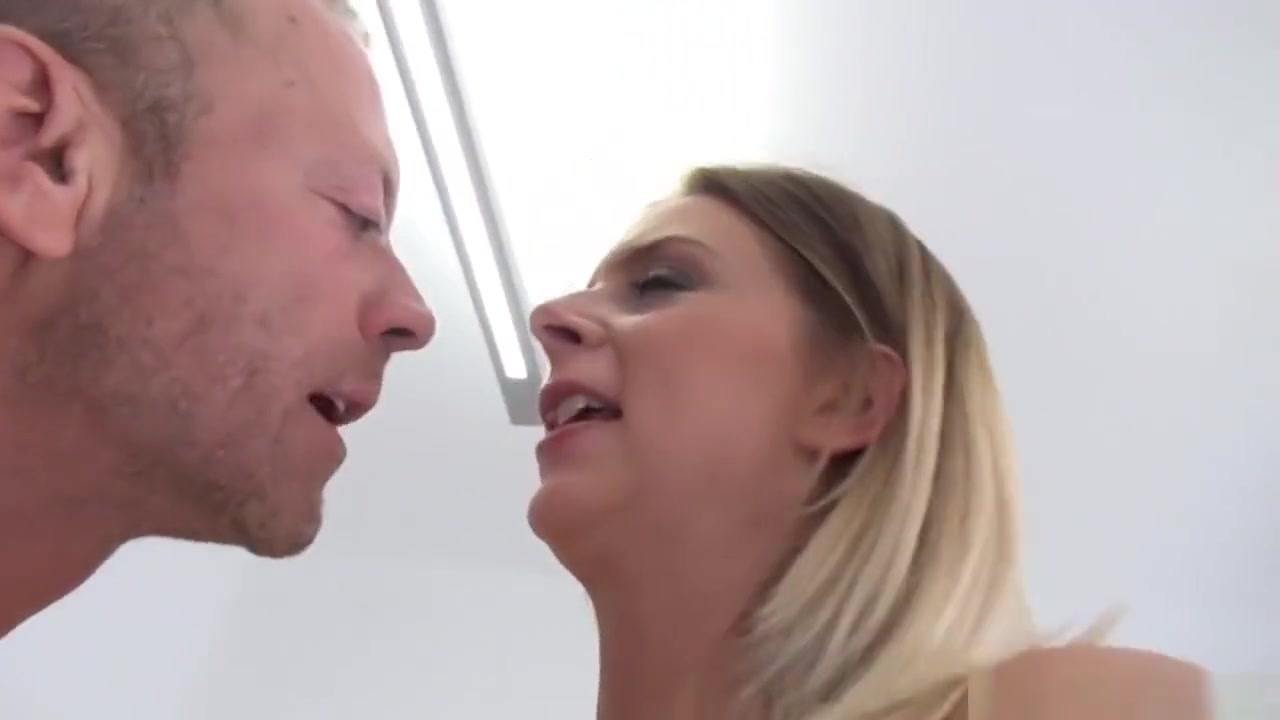 Porn galleries Women peeing in their own mouth