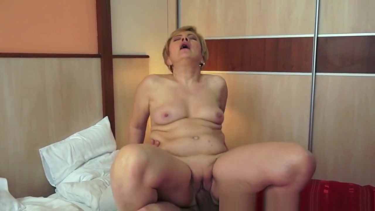 Porn Base Redhead hairy mature fucked on the hay
