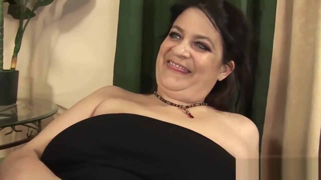 Naked xXx Sunny Leone With Johnny Sins Hardcore Porn Videos