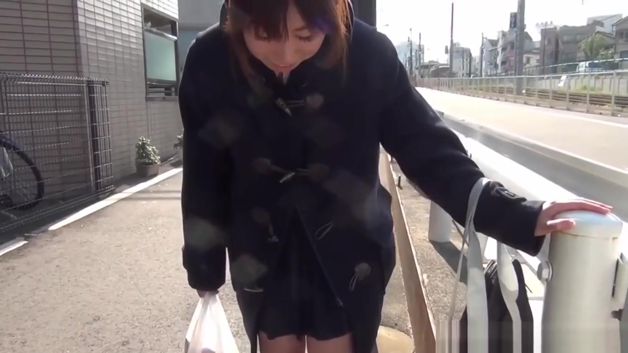 Good Video 18+ Upskirt mobile phone pictures