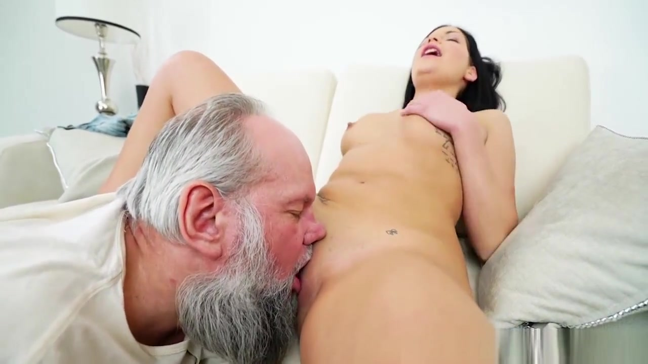 Porn archive Amateur white pussy stretched by black cock