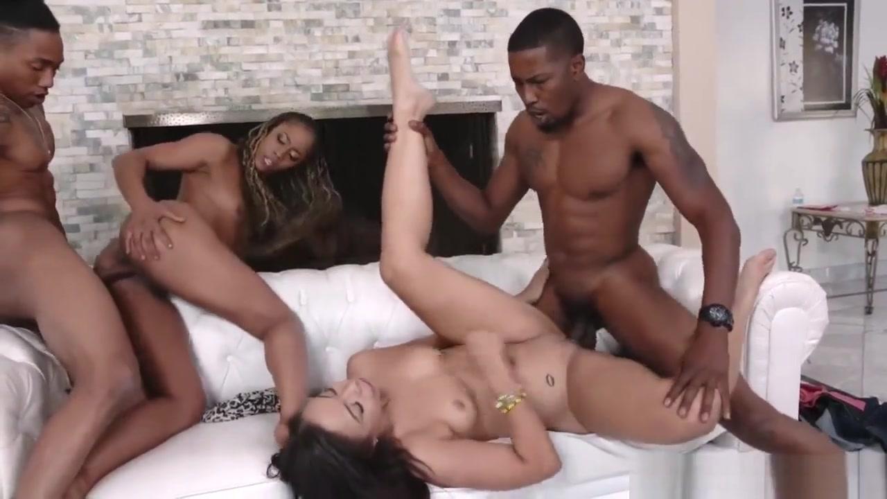 Naked FuckBook Old asian sex