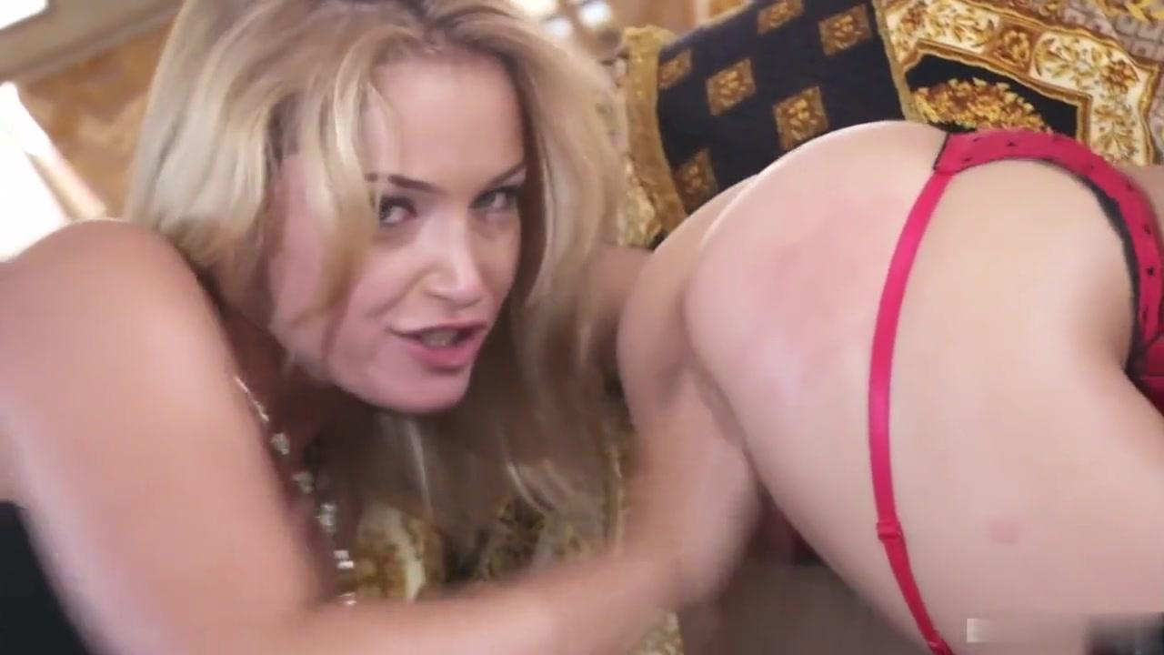 Video peeing she his held penis