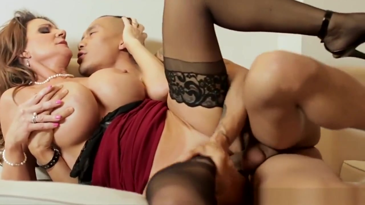 Squirting Milf Pussy Fucked With Hard Cock Women riding big dicks