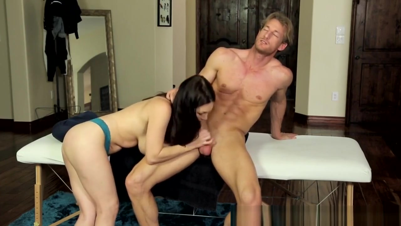 Porn FuckBook Chat for husbands who spank