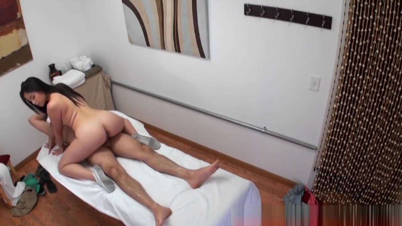 Porn FuckBook This milf can never get enough cock