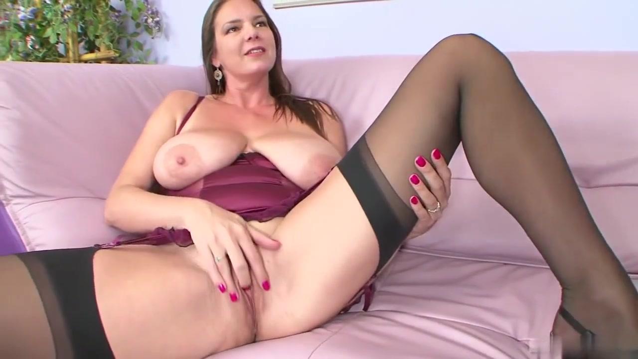 Hairy mature girls Porn Pics & Movies