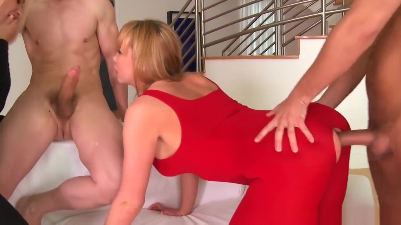 Porn pic Mature housewife luvs her bbc